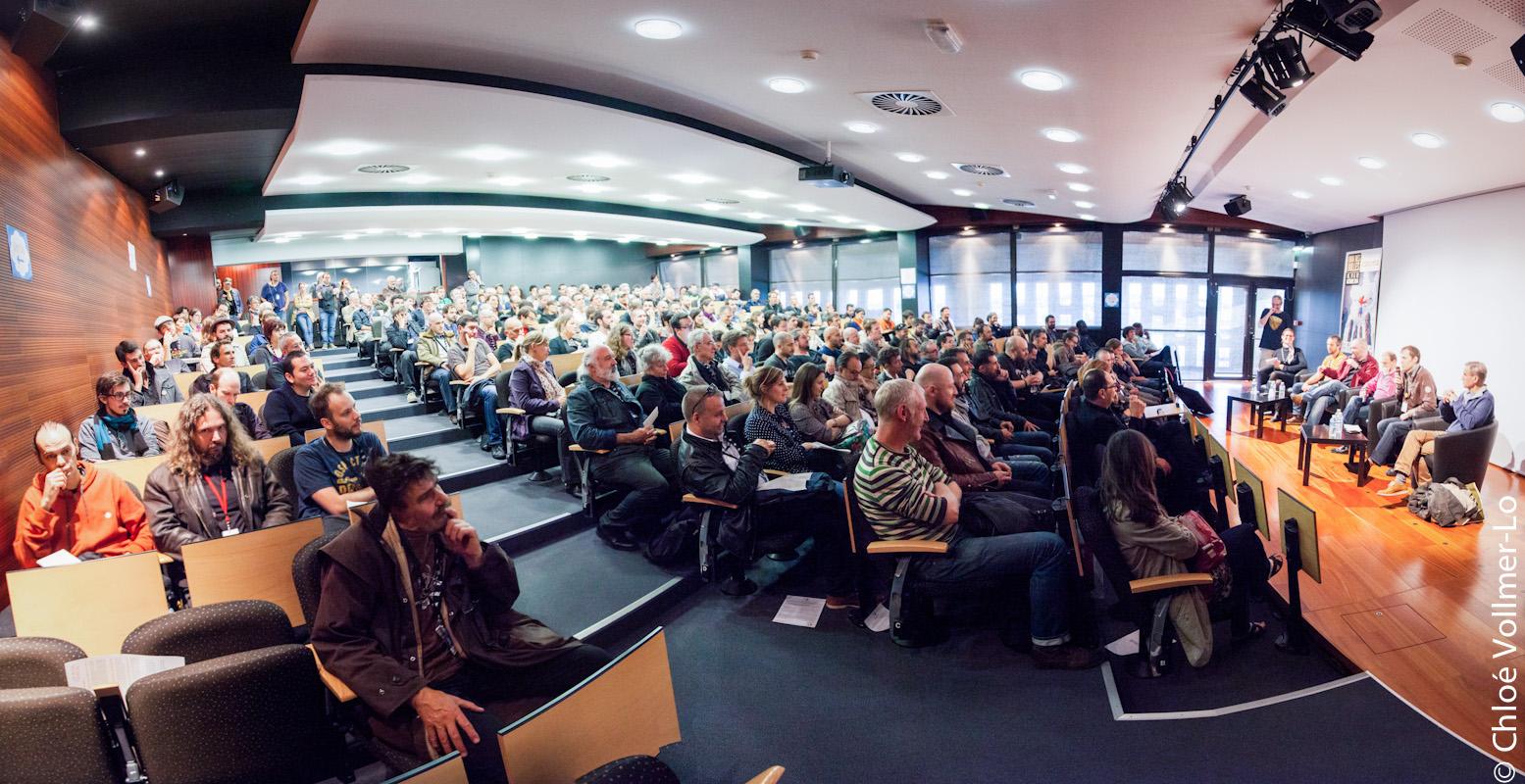 Débrayage et assemblée générale à Saint-Malo en octobre 2014 - Photo © Chloé Vollmer-Lo